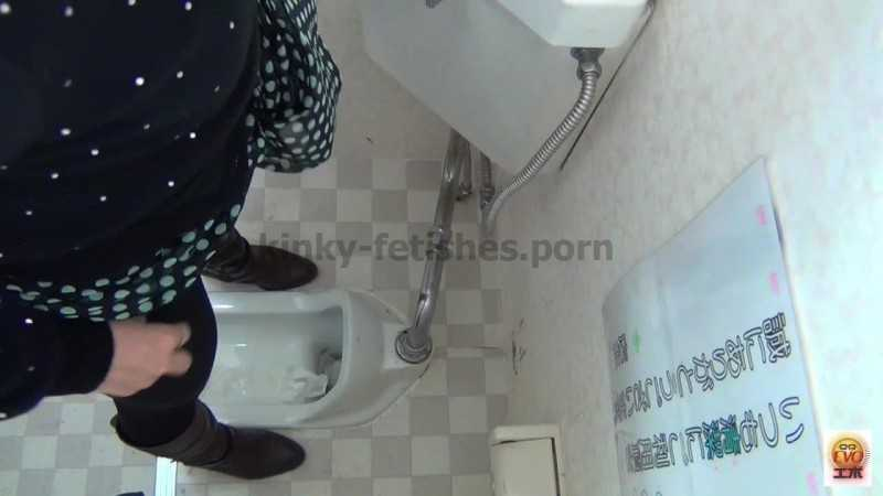 Porn online EE-001 | Convenience store toilet spy cam caught women dropping their panties and pooping from behind javfetish