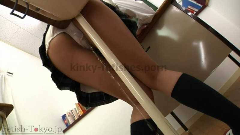 Porn online FTV-47 | Naughty schoolgirl humping table in the classroom with shit in her panties. javfetish